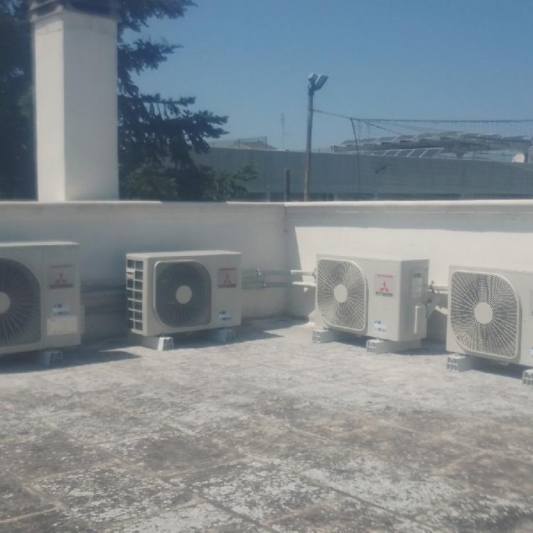 Impianto di climatizzazione canalizzato e multisplit presso villa privata a Cellamare (BA).