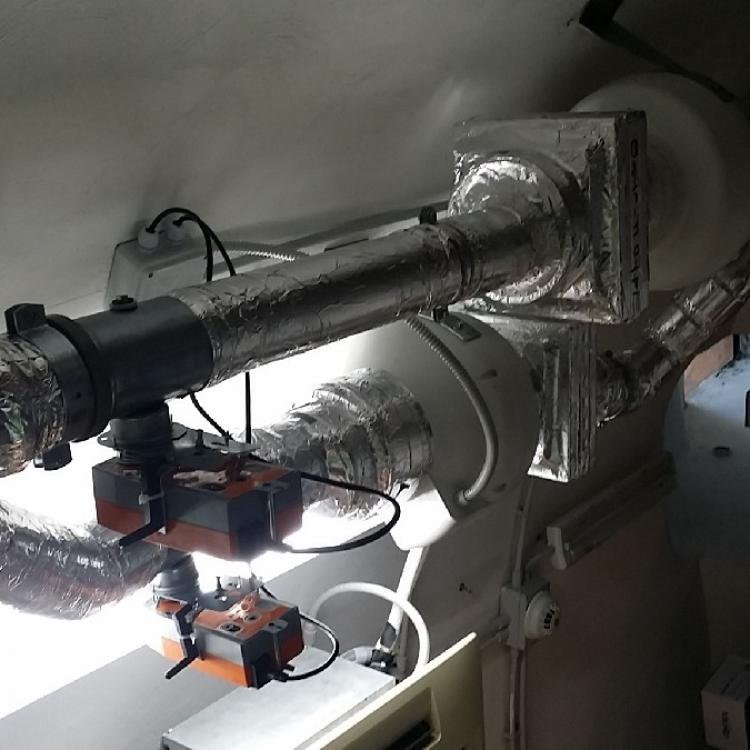 Impianto aerazione locale automatico presso farmacia S.Rocco di Valenzano.