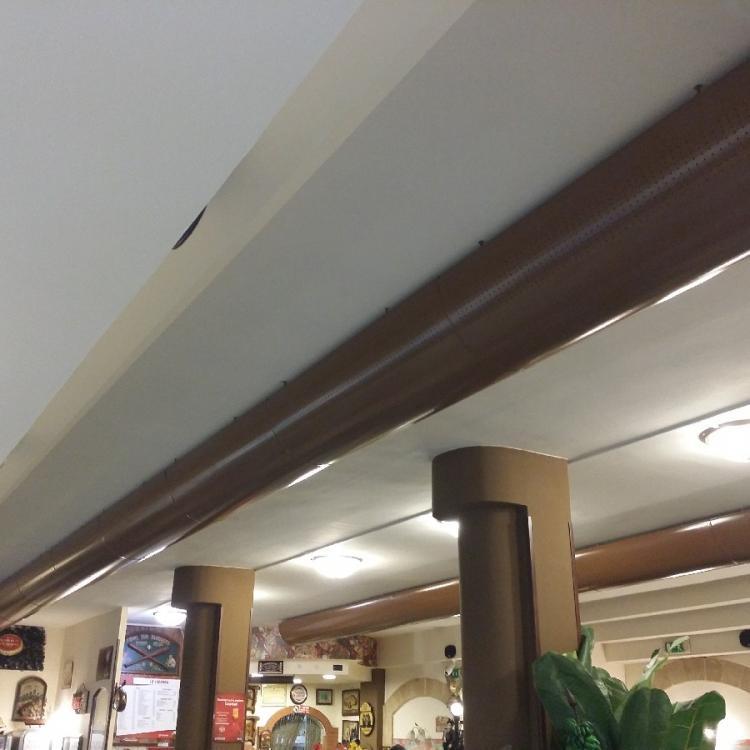 """Impianto di climatizzazione con distribuzione a canali a vista presso ristorante """"La Locanda"""" di Capurso (BA)"""