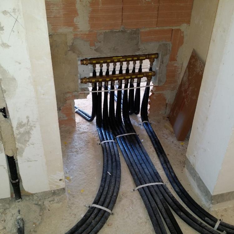 Impianti per uso residenziale presso appartamento privato in Bari.